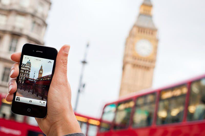 Memilih hp yang cocok untuk traveling. images by wirelesstraveler.com