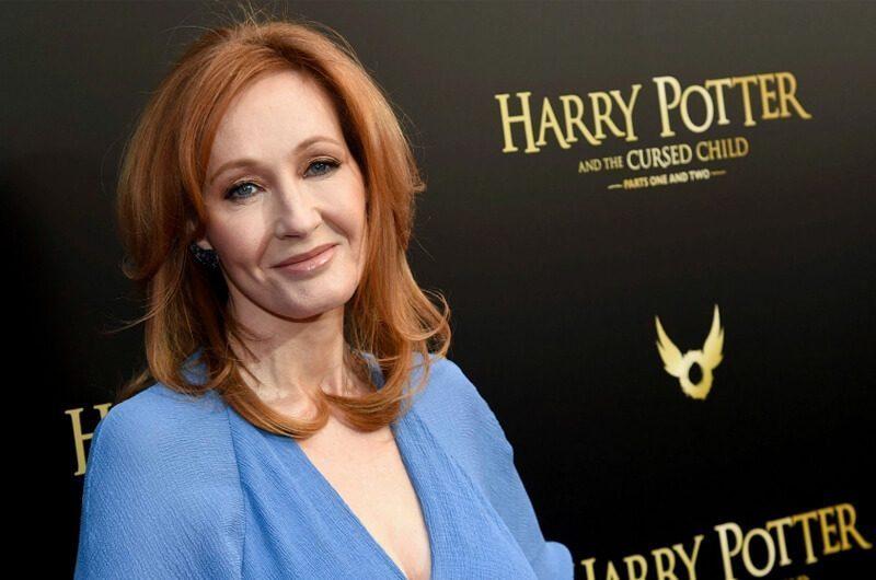 J.K. Rowling menjadi penulis novel terkaya