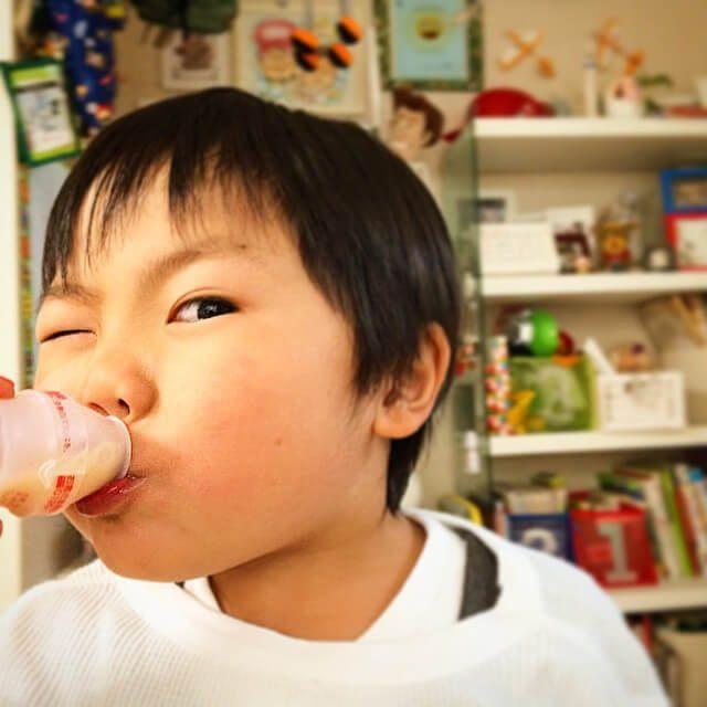 Semua suka minum Yakult